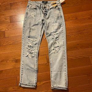 Aero boyfriend jeans 💙